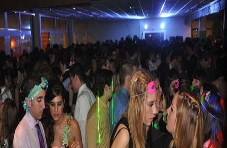 hoteles valencia noche vieja: