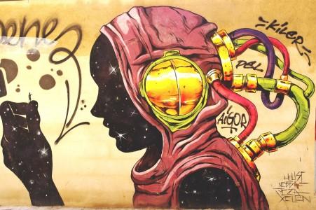 dibujos de Julieta XLF y Deih, es un artista urbano español, que inspira en cómics para sus murales y graffitis, al igual que Julieta XLF, pero a diferencia