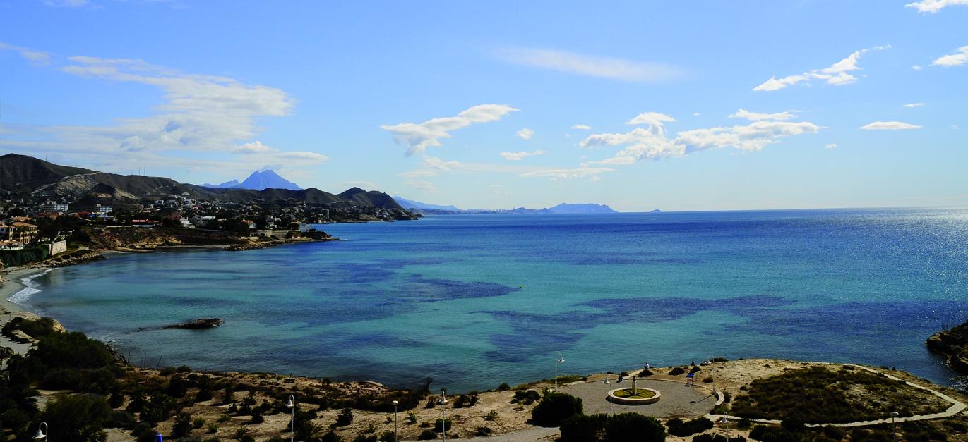 Vistas-desde-La-Torre-Vigia-de-la-Illeta_Playa-Almadrava_El-Campello_Alicante_Comunidad-Valenciana