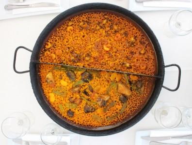 La Alegría de la Huerta, ristorante di paella sulla spiaggia la malvarrosa di Valencia