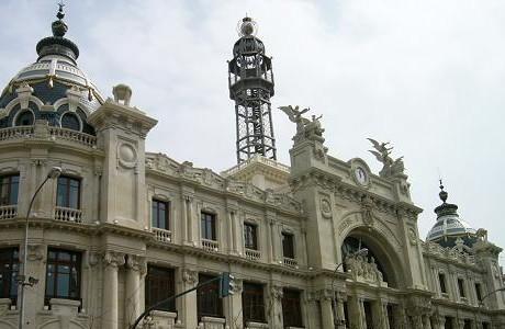 Edificio de correos love valencia for Horario oficina de correos valencia