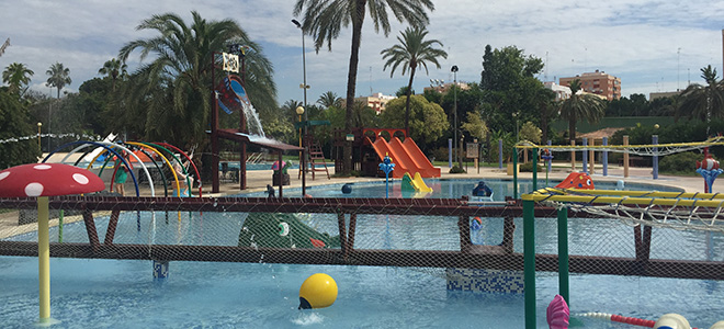 piscina parque de benicalap piscina con juegos para niños en valencia