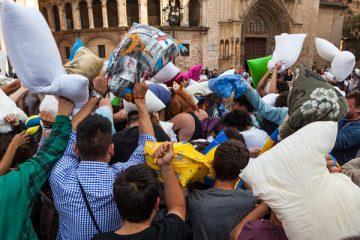 pelea de almohadas gratis en valencia