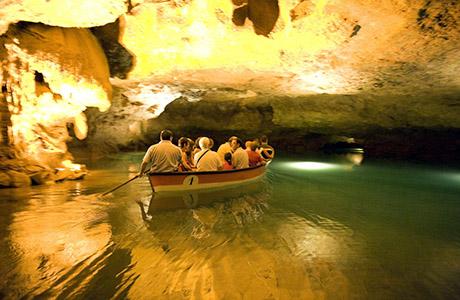 Un día en las grutas en San José