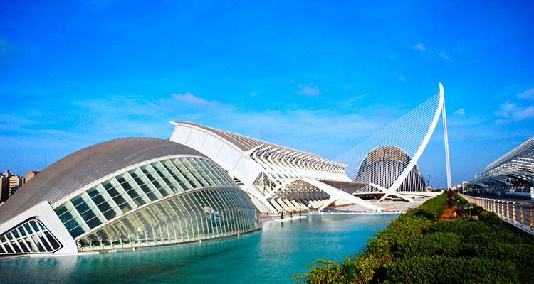 Comer en la ciudad de las artes y las ciencias love valencia for Hotel oceanografic ninos