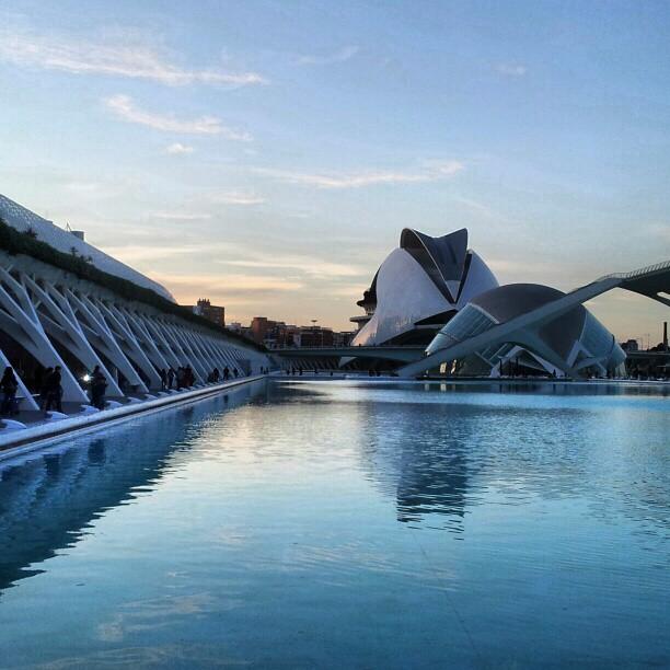 Atardecer futurista #cac #artes #ciencias #Valencia #calatrava #instatravelling #instagram #instamood #picoftheday