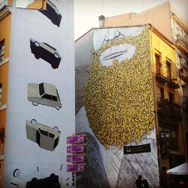 Una foto a un graffitti para subirla a Instagram @MANDARINAVR