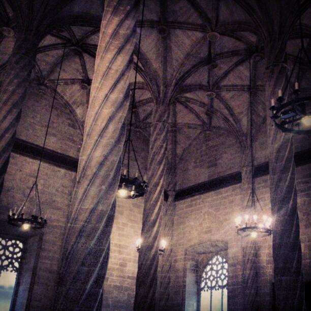 #valencia #edificio #lonja #lonjavalencia #comercio #piedra #gótico #arquitectura #columna #columnas #lovevalencia de visita por la lonja de Valencia 1€estudiantes los demas 2€