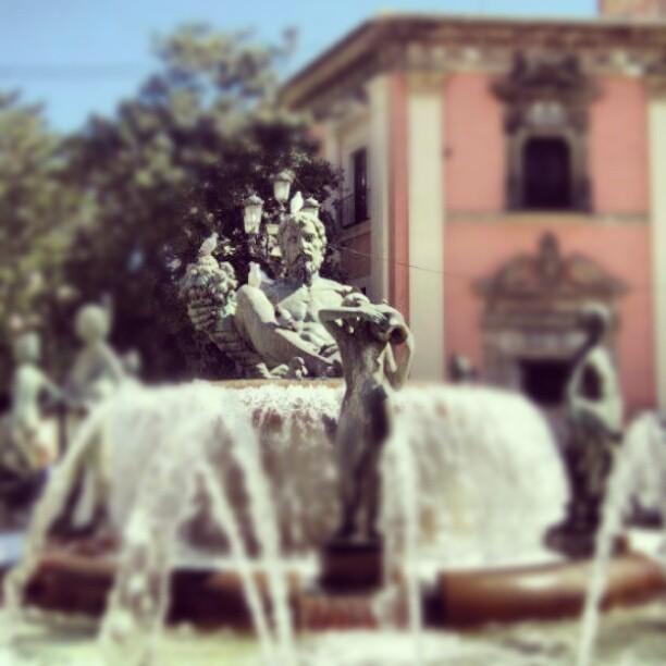 #instagram #instamood #instapic #instagood #igers #valencia #spain #españa #lovevalencia  ##estatua #la #fuente #de #la #plaza