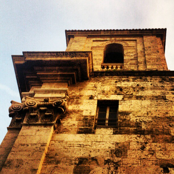 #lovevalencia #valencia #arquitectura #turismo #edificios #lose  perdida por las calles de Valencia,enamorandome de cada esquina ^^,