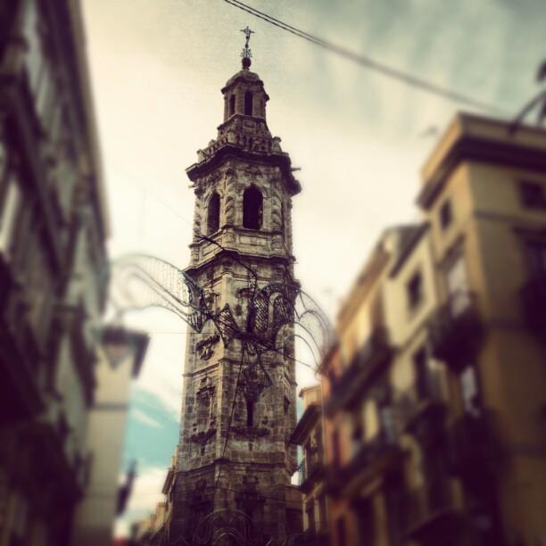 #lovevalencia  #valencia #city  #edificios  de paseo con @jose_climent