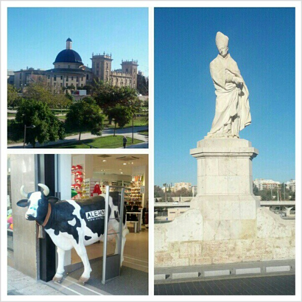 A museum, a cow, and the pope. #photochallenge #capturedecember day 3: in your city. Yes Valencia is my city now :) #valencia #spain #españa #alehop #alehopcow #museum #statue