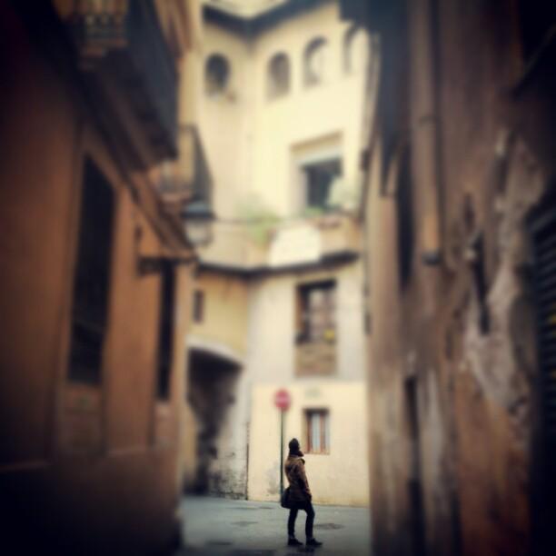 #lovevalencia #valencia #turismo #paseo #calles #hombre #man #city  @jose_climent inspiracion