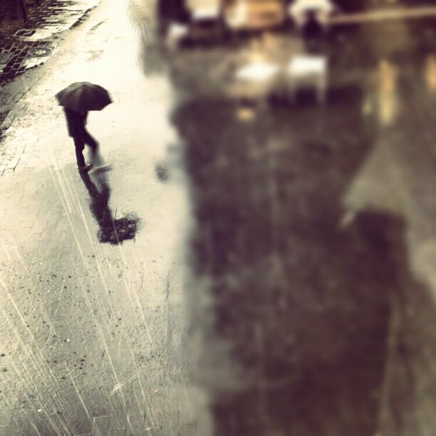 #lovevalencia #valencia #rain #lluvia #singintherain #caminar #lluvioso #mojado