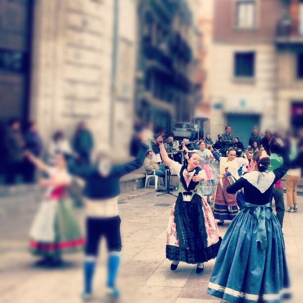 #valencia #lovevalencia #regional #bailes #dancing #culture #tradicion #baileregional #castañuelas #valencianas #domingo