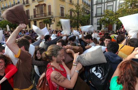 Guerra de Almohadas Valencia 2014