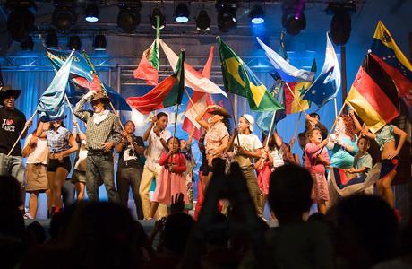 Empieza el Festival de las Naciones de Valencia 2013