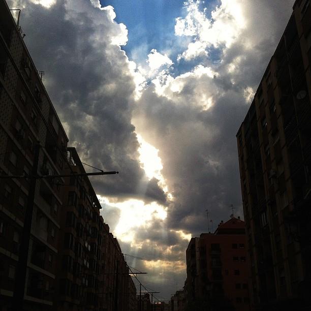 Día 282.  #365project #365 #project365 #photoaday #instagood #iphonesia #iphone #instagramer #instagramers #instadaily #photoftheday #photooftheday #picoftheday #love #lovely  #instamood #instalove #igers #igersvalencia #clouds #cloudporn