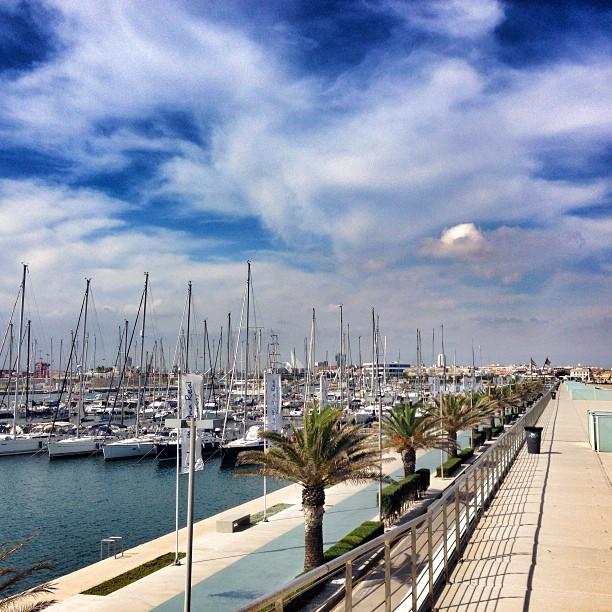 Setembre a la Marina #valencia #lovevalencia #clouds #sea #puerto #yatch #spain
