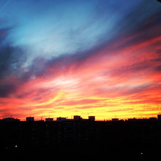 Este lado del mundo les da las buenas noches asi... This side of the world say good night... #goodnight #atardecer #sundown
