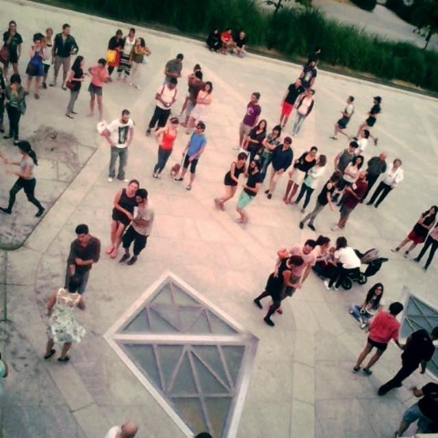 #lovevalencia #feriaalternativa #valenciagram #rio #cauce #rioturia #dance #baile