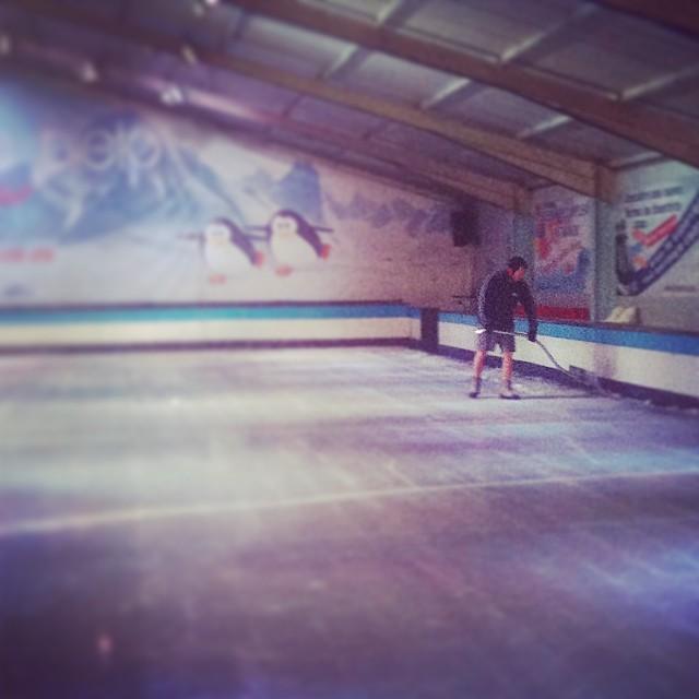 ¡Preparando el #verano más FRESCO!  #funonice #valencia #pistadehielo #ice #ocioenvalencia #picoftheday #figureskating #icerink #photoofthetheday #fun #workout #deporte #diversion #valenciacity #lovevalencia #ocio #friends #finde #family #sport #patinaje #Bonaire