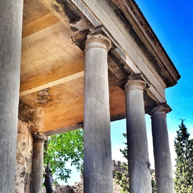 #sagunto #igersvalencia #valenciagrafias #antique #architecture #classic #naturepolis #nature #roma #temple #instalike #igsnapshots #art #landscape #ig_europe #ig_spain #ig_valencia #ig_worldclub #estaes_espania #estaes_valencia #lovevalencia #golpedsuerte #sky #skyline #fotomovil_es #worldwide_shot #turisbrand #10likes