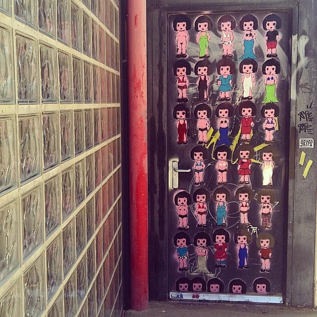 #mussol78 #universitatpolitecnica #valència #puerta #door #graffiti #estaes_todo #estaes_valencia #estaes_universal #insta_international #inst_international #placeofworld #valenciacity #valenciagram #valenciaenamora #lovevalencia #ilovevalencia #comunitatvalenciana