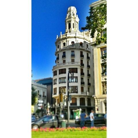 #Valencia #valenciaenamora #valenciagram #igersvalencia #valenciagrafias #building #architecture #city #ig_europe #ig_spain #ig_valencia #ig_worldclub #estaes_europa #estaes_espania #estaes_valencia #lovevalencia #golpedsuerte #sky #clouds #skyline #turisbrand #worldwide_shot #fotomovil_es