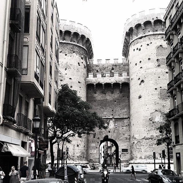 #mussol78 #torresquart #torre #valencia #valència #valenciacity #valenciagram #valenciaenamora #centrehistòric #lovevalencia #ilovevalencia #estaes_valencia #estaes_españa #estaes_universal #estaes_todo #comunitatvalenciana #inst_international #insta_international #fotomovil_es #photoiphone #placeofworld #igersvalencia #igers_europe #igerslatino