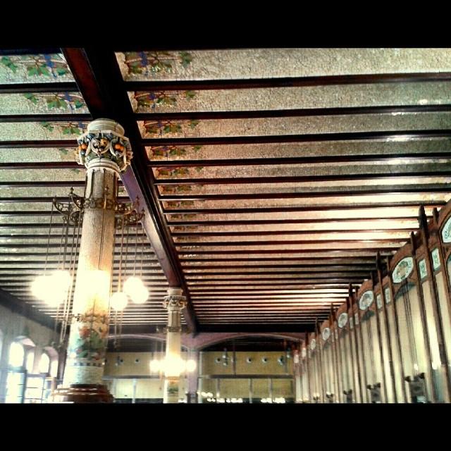 Estación del Norte #valenciaenamora #valenciagram #igersvalencia #valenciagrafias #building #architecture #art #city #ig_europe #ig_spain #ig_valencia #ig_worldclub #estaes_europa #estaes_espania #estaes_valencia #lovevalencia #golpedsuerte #skyline #wu_spain #worldwide_shot #fotomovil_es #viewerspain #monument #monumentalspain #station #train #loves_valencia