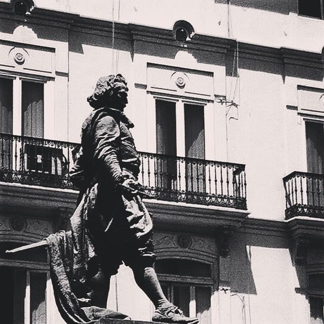 #mussol78 #escultura #valència #valenciacity #valenciagram #valenciaenamora #valenciagrafias #estaes_valencia #estaes_espania #loves_valencia #lovevalencia #instagood #instagood #instagramers #instamessage #insta_international #placeofworld #ig_europe #blancoynegro #blackandwhite #bnwcaptures #bnwgallery #followback #fotomovil_es