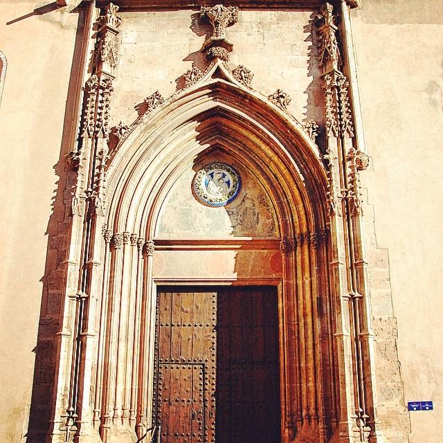#mussol78 #puerta #gotico #flamigero #monasterio de la trinidad #valència #valenciagram #valenciaenamora #valenciagrafias #lovevalencia #loves_valencia #estaes_valencia #estaes_espania #instagood #instagramers #instamessage #insta_colourfull #insta_international #placeofworld #ig_europe #iglesia #fotomovil_es #fotoclub #followback