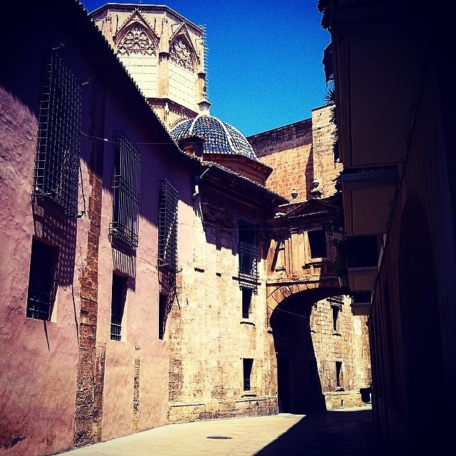 #mussol78 #catedral de #valència #valenciagram #valenciaenamora #valenciagrafias #lovevalencia #loves_valencia #instagood #instagramers #instamessage #insta_colourfull #insta_international #placeofworld #ig_europe #igersarchitecture #followback #fotomovil_es #estaes_valencia #estaes_espania