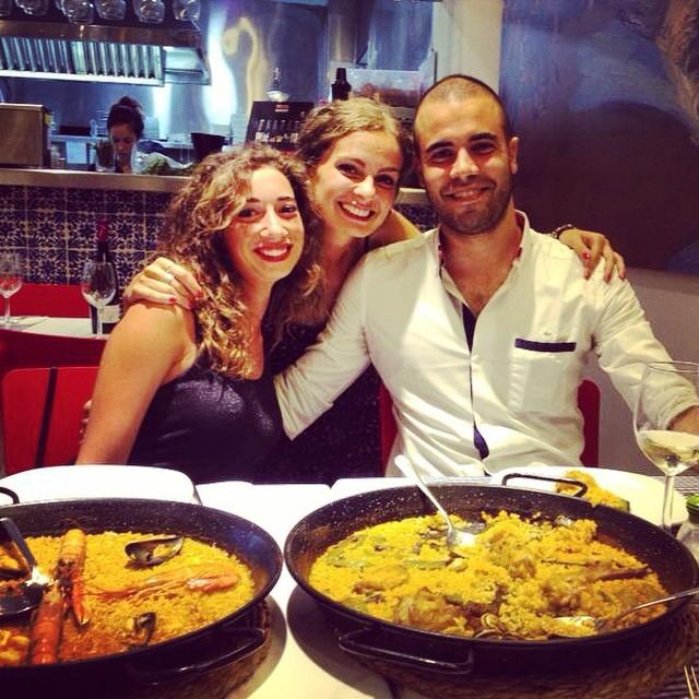 With my lovely friends??#bestfriend#paella#valencia#lovevalencia#fantalemon#flamenco#verano#vacanza#todagioia#