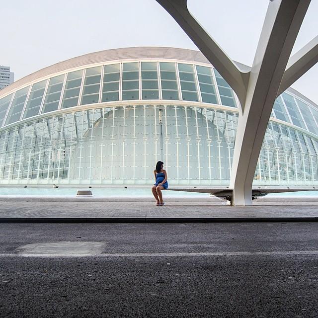 The eye.  El ojo.  #VLC #valenciagram #valencia #cityofartsandsciences #lovevalencia #ciudaddelasartesylasciencias #hemisferic #holidays @kristelsteel #summer #calatrava #arquitectura #modern_architecture #eye #burjassot #rafelbunyol #cayc #spain #españa