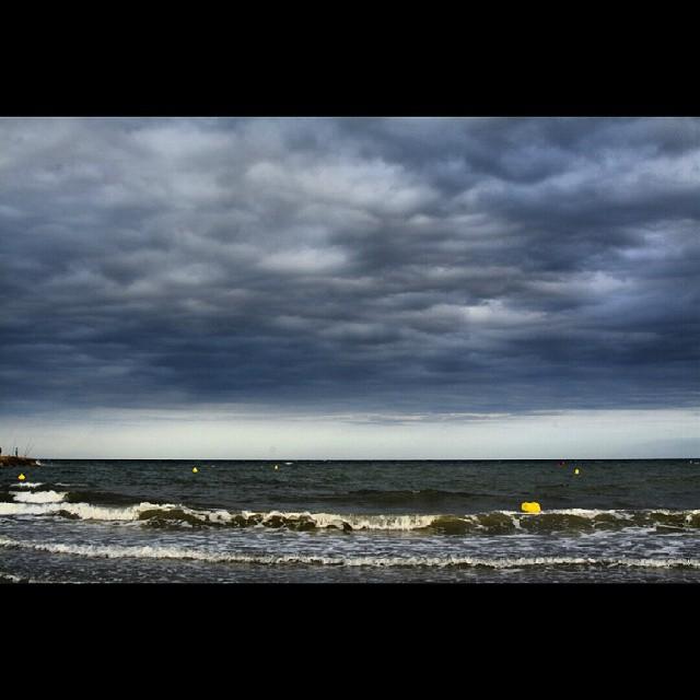 Playa de Puçol. #playa #beach #lovevalencia #mar #sea #nubes #clouds #nikon #nikond7100 #d7100 #puzol #puçol #valencia