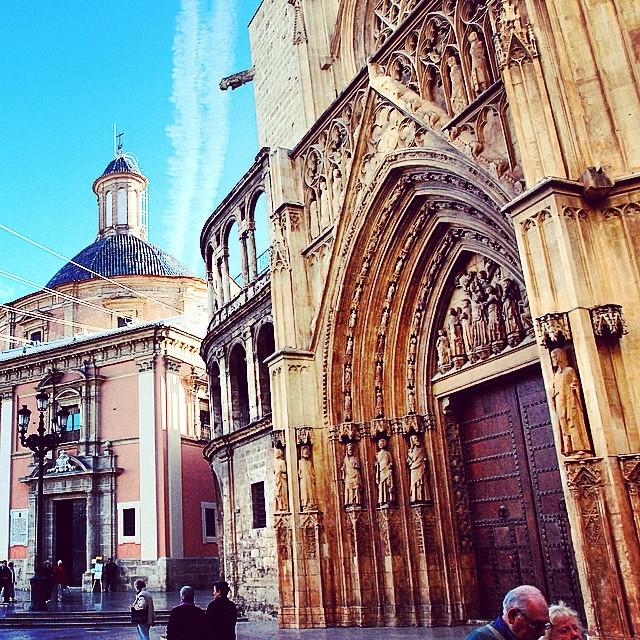 #mussol78 #puerta  de los #apostoles #catedral de #valència #basilica #valenciagram #valenciaenamora #valenciagrafias #lovevalencia #loves_valencia #estaes_valencia #estaes_espania #instagood #instagramers #instamessage #insta_colourfull #insta_international #placeofworld #ig_europe #ig_architecture #followback #fotomovil_es #fotoclub_ab