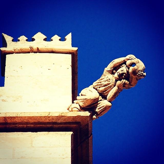 #mussol78 #gargola #llotja de #valència #lonja #valenciagram #valenciaenamora #valenciagrafias #lovevalencia #loves_valencia #estaes_valencia #estaes_espania #instagood #instagramers #instamessage #insta_colourfull #insta_international #placeofworld #ig_architecture #ig_europe #followback #fotoclub_ab #fotomovil_es