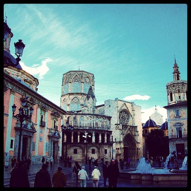 #mussol78 #plaça de la #verge #valència #valenciagram #valenciaenamora #valenciagrafias #lovevalencia #loves_valencia #catedral #micalet #estaes_valencia #estaes_espania #instagood #instagramers #instamessage #insta_colourfull #insta_international #placeofworld #ig_europe #fotoclub_ab #followback #fotomovil_es