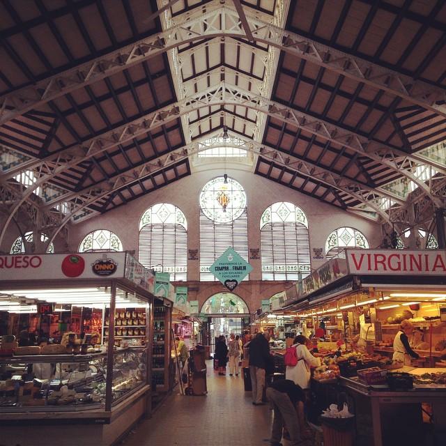 Me encanta el #mercadocentral y siempre será uno de mis lugares favoritos en #valencia ???? #vlc #lovevalencia #food #foodies #mercatcentral