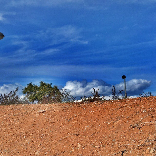 Boca en la tierra #photoart #skyline #sky #best_skyshots #cloudporn #clouds #loves_valencia #loves_europe #loves_hdr #lovevalencia #estaes_valencia #estaes_espania #nature #igersvalencia #ig_valencia #ig_europe #ig_spain #todoclick #imagenarte #fotomovil_es #fotoclub_ab #worldwide_shot #world_bestsky #10likes