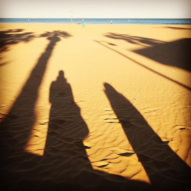 #lovevalencia #lamalvarrosabeach #shadowsonthesand