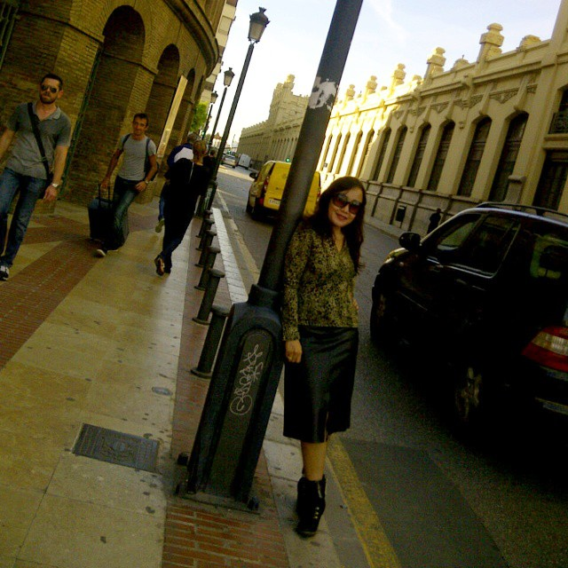 One a day in one corner of #Valencia city, which is more attractive...me or behind me? Lol :D  #valenciacity... this is around the direction to #bullfightmuseum #lovevalencia#loveit