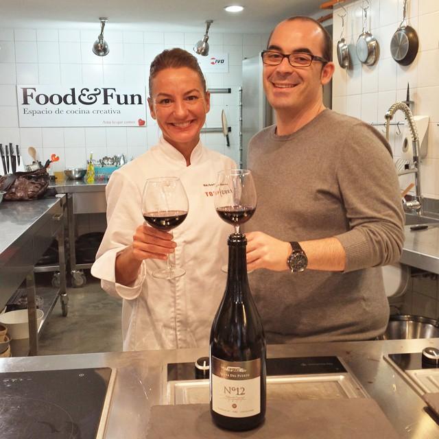 """[ Eventos Food&Fun ]  Un placer contar hoy con @jorgebretonchef y @barbaritabtc hoy; felicidades por una ponencia y curso """"Cocinando ideas"""" sublime!  #foodandfun #foodandfunvlc #cocinarconamigosesmasdivertido #eventosFoodAndFun #cursococinaValencia #cursosdecocina #Valencia #lovevalencia #unaagendaconestilo #cocinar #recetas #cooking #friends #CookingCommunity #"""
