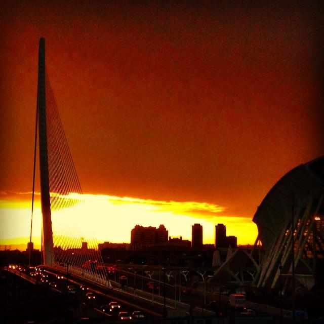 #igersvalencia #valencia #valenciagram #vsco #españa #picoftheday #instavalencia #sky #skyporn #lovevalencia #december