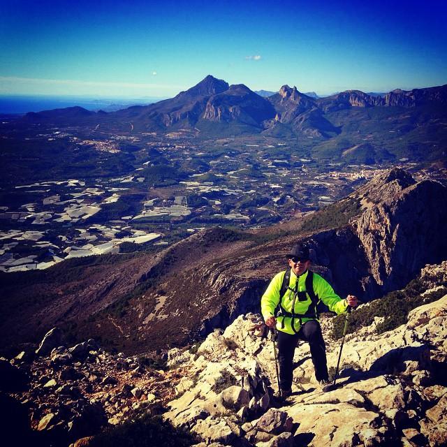 Ascenso al Bèrnia con @wayuontheroad #recorridosinteresantes #trail #senderismo #carreras #lovevalencia