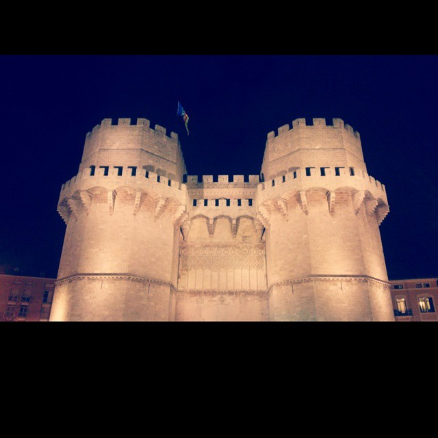 #Torres #towers #valencia #lovevalencia #old #medieval #beautiful #noche