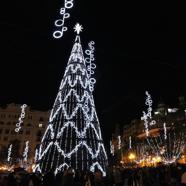 Ontem foi a inauguração da árvore de natal em #valencia. Esperava mais... #lovevalencia #natal #navidad #christmas #xmas
