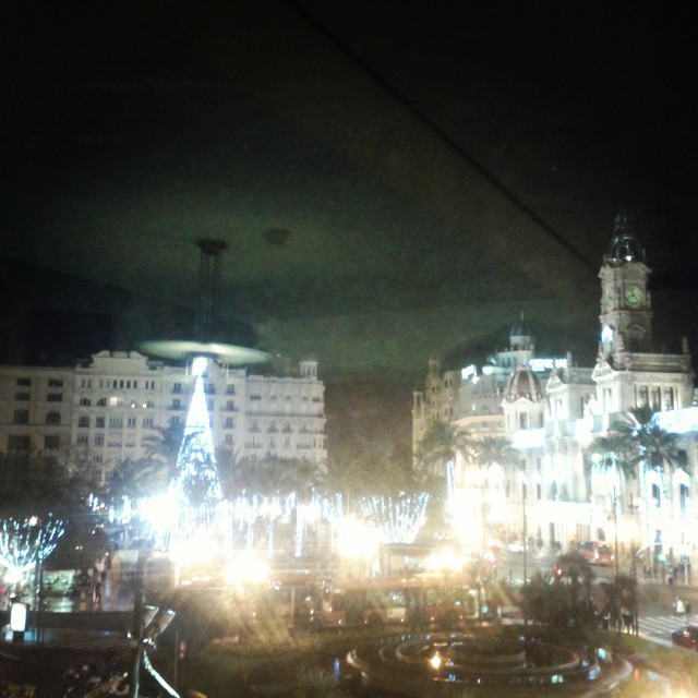 Asi de bella se ve la Plaza del Ayuntamiento desde el Teatro Rialto #lovevalencia#lovechristmas#loveteatrorialto